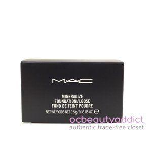 Mac Mineralize Loose Powder Foundation - Light
